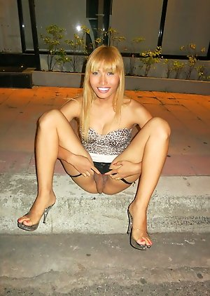 Free Ladyboy No Condoms Pics