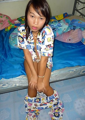 Free Ladyboy Bedroom Pics